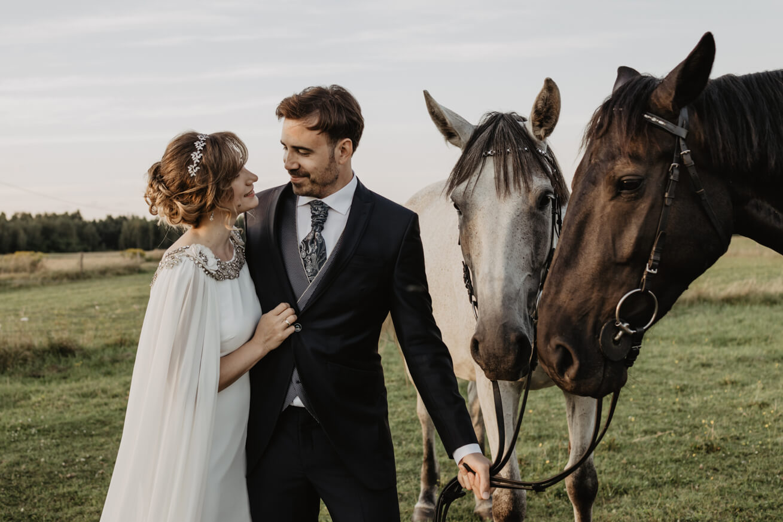 #plener #polsko-hiszpanskiewesele #plenernastajni #hiszpanskislub #espanaweeding #spain #poland #photography #lovestory #konie #horses #purelove #couple #wifeandhusband